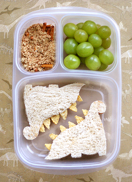 Blog_dinosaurlunch