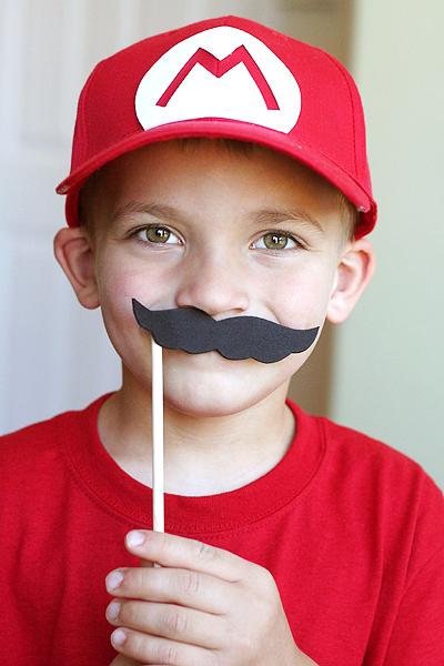 Blog_mustacheprop_mario