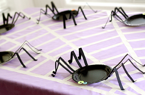 Blog_halloweenparty_table