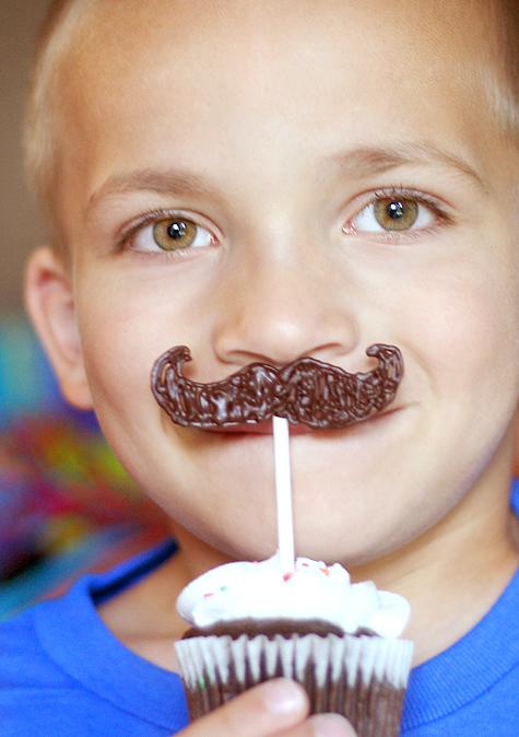 Blog_mustachemodel