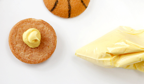 Basketball cookies frosting