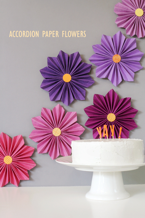 Accordion paper flowers